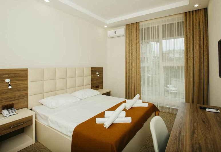 Perfect Room to Choose for a Family Vacation in Batumi, Batumi, Herbergi