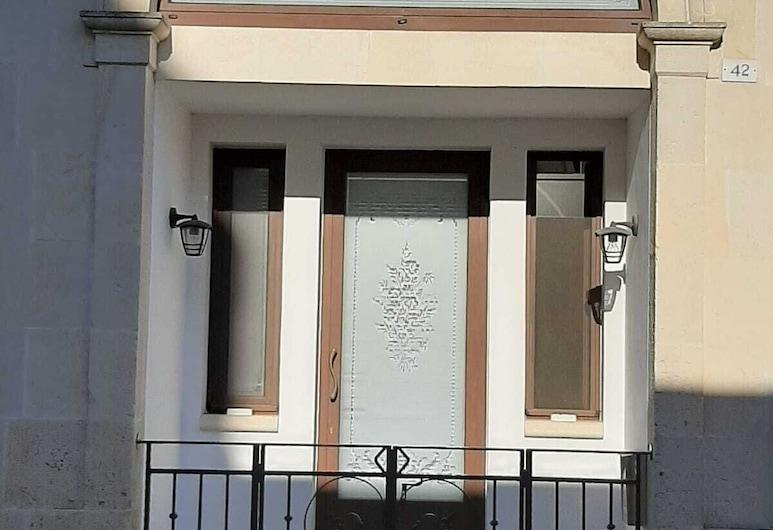 Calì Nitta Storic, Corigliano D'Otranto, Front obiektu