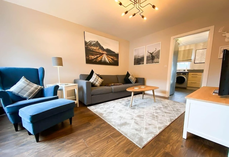 Modern Luxury 2bed Scottish Home, Glasgow, House, 2 Bedrooms, Living Room