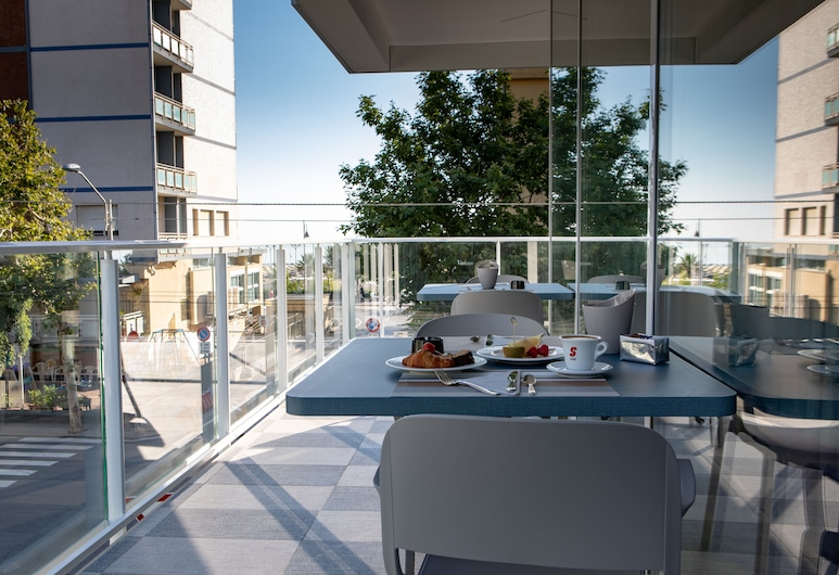 Hotel Rainbow, Rimini, Terrace/Patio