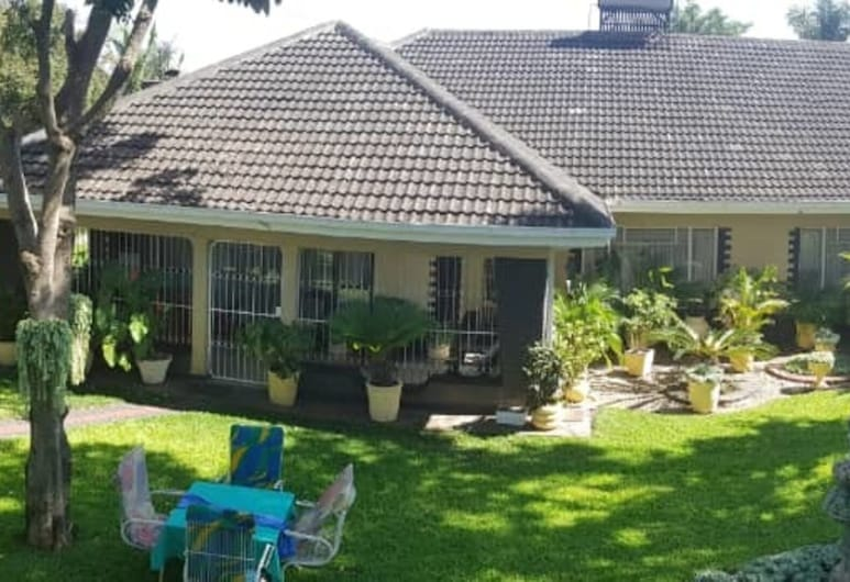 Charming 6-bed House in Harare, 哈拉雷