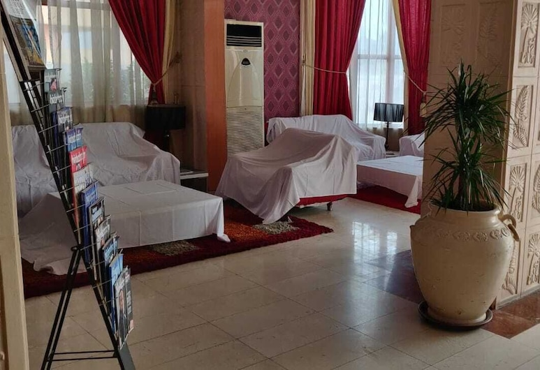 OYO 118 Revira Hotel, Menama, Vestibiulis