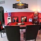 Deluxe-Doppel- oder -Zweibettzimmer, Mehrere Betten, Nichtraucher, Gartenblick - Wohnzimmer