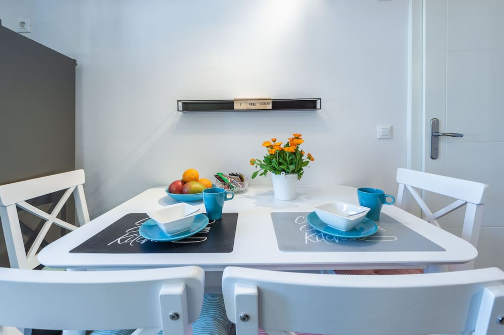 Apartment (2 Bedroom Apartment with City View) - In-Room Dining