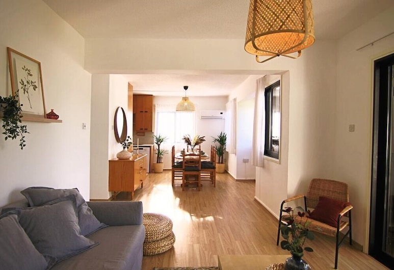 Phaedrus Living- Luxury Flat Protaras, Протарас, Апартаменты, вид на море, Зона гостиной
