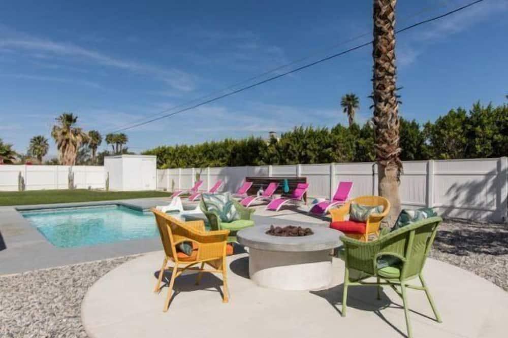 單棟房屋 - 室外泳池
