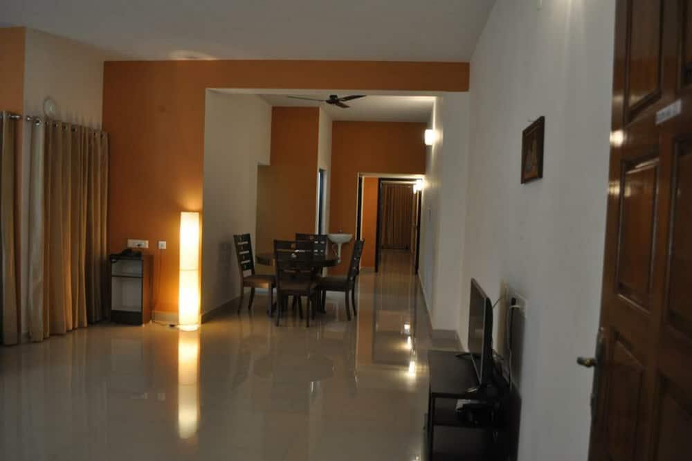 Appartamento, 2 camere da letto, balcone - Pasti in camera