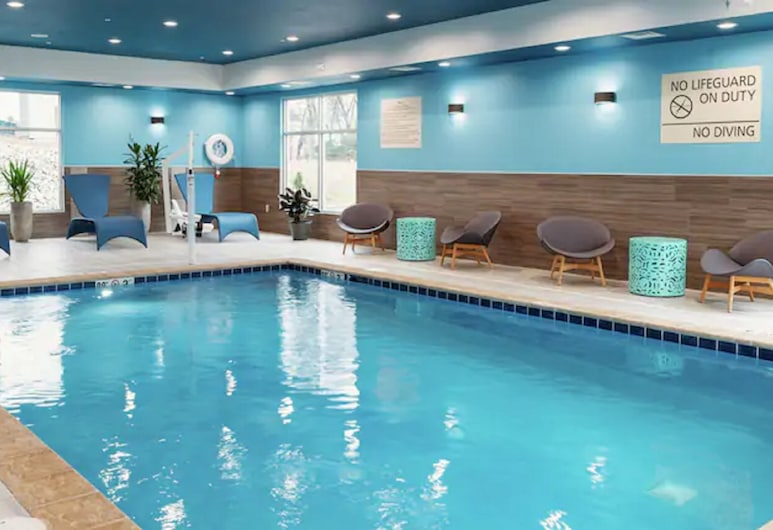 Hampton Inn & Suites by Hilton Waterloo St. Jacobs, Township of Woolwich, Piscina