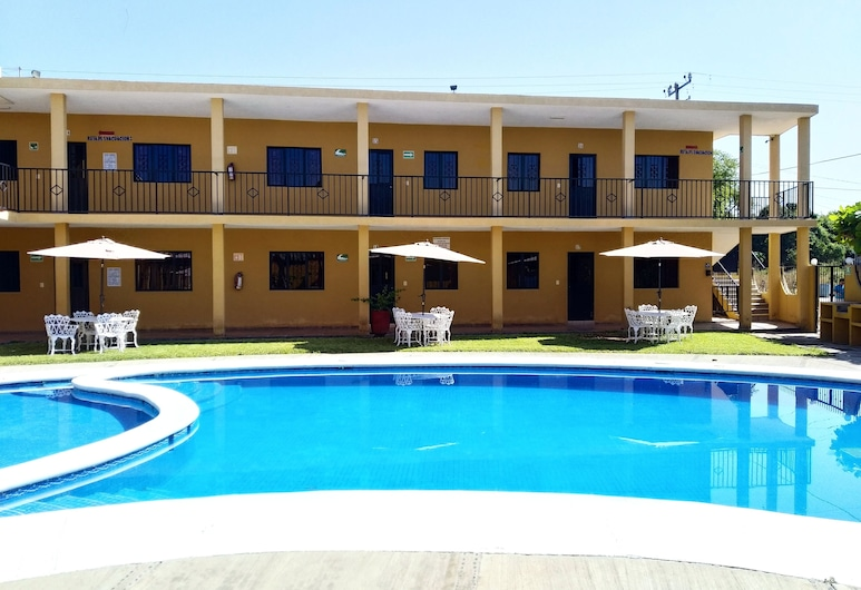 Bungalows Cervantes, Barra de Navidad, Living Area