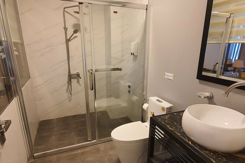 Kamar Double atau Twin Keluarga - Kamar mandi