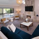 Nhà Deluxe - Phòng khách