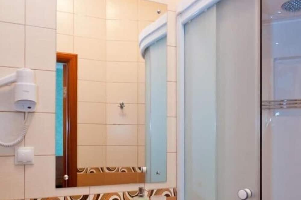 Phòng đơn tiện nghi đơn giản - Phòng tắm