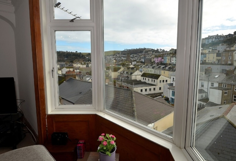 Quaint Apartment in Dartmouth With Private Garden, Dartmouth, Bilik