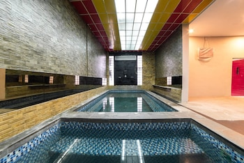 Φωτογραφία του Glamour Hotel and Spa, Μεντάν