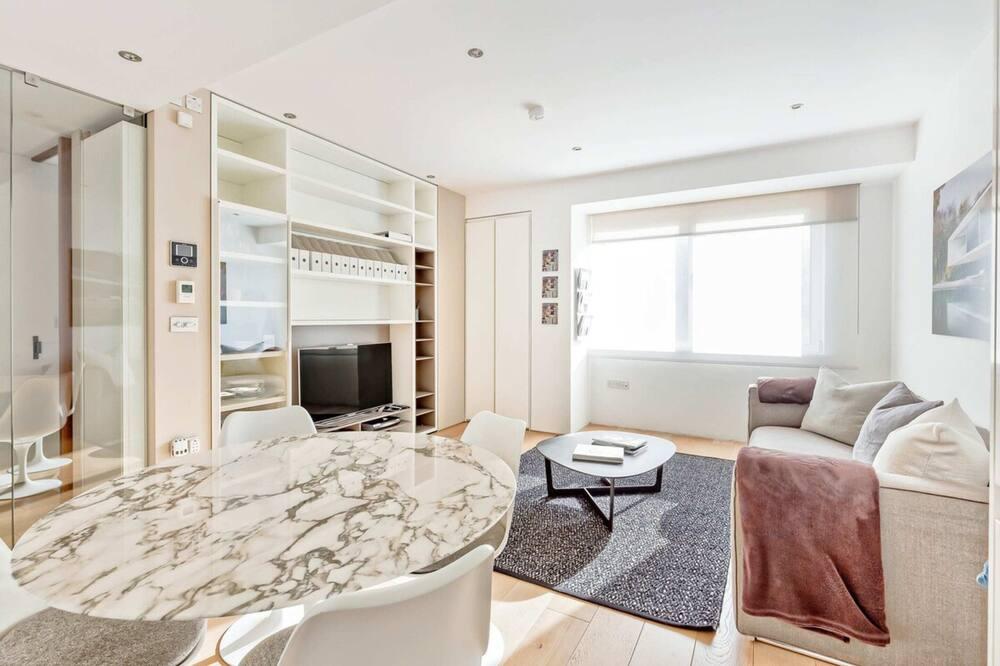 דירה (2 Bedrooms) - סלון