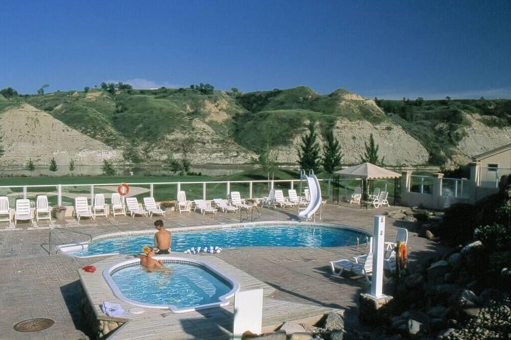 特色別墅, 4 間臥室, 高球場景觀 (380) - 游泳池