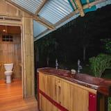 Trivietis kambarys su pagrindiniais patogumais - Vonios kambarys