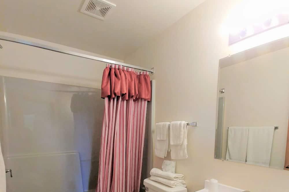 Szoba, 2 queen (nagyméretű) franciaágy - Fürdőszoba