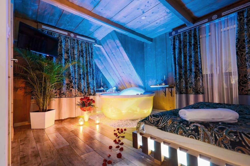 Романтический номер, 1 двуспальная кровать «Квин-сайз», гидромассажная ванна - Номер