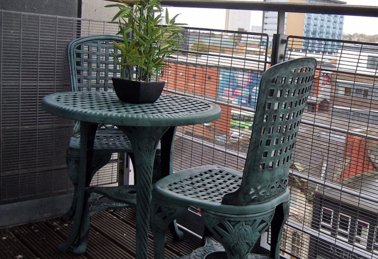 The Bar - Beautiful Apartment In the Heart of Newcastle, Newcastle-upon-Tyne, Balkon