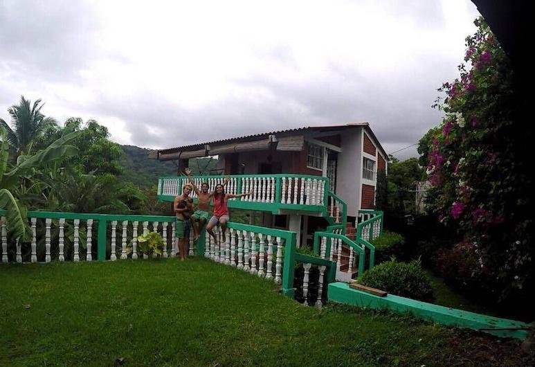 Charming and Affordable Casita in Atami, El Salvador, Tamanique