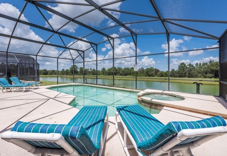 New Lake Front Vacation Home Is Close To Disney 7 Bedroom Villa, Kissimmee