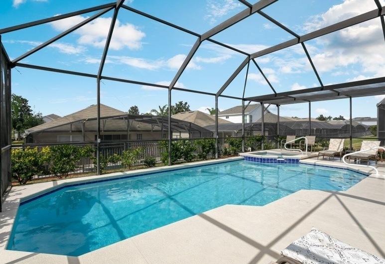 Minutes To Disney, Gated Community 6 Bedroom Villa, Kissimmee, Pool