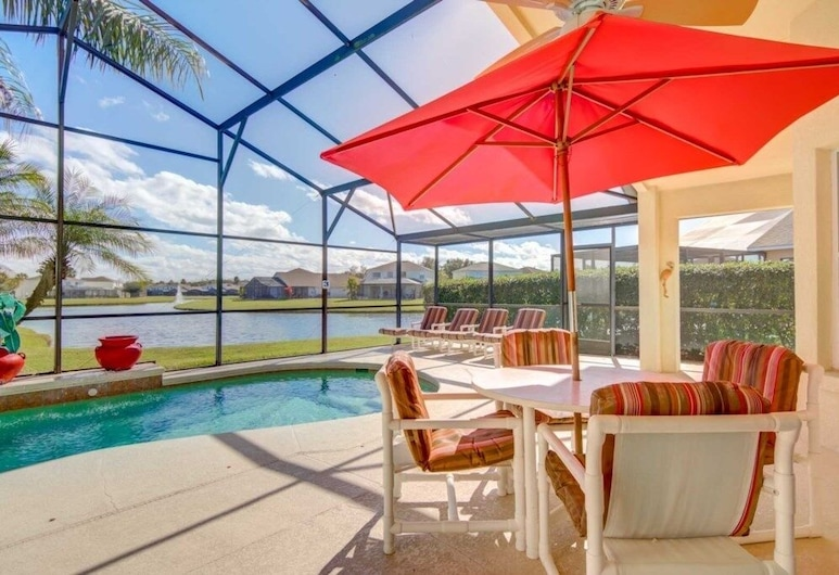 Lovely Lake 20 Min To Disney Large Pool! 4 Bedroom Home, Kissimmee