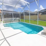 Marlin's Manor With South Facing Pool! All Day Sun 4 Bedroom Home