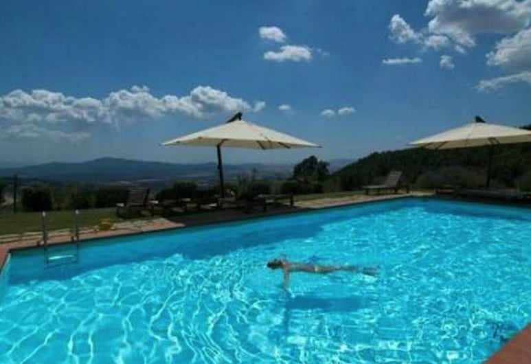 Live the Essence of Tuscany Typical Tuscan Villa for 1218 People, Roccastrada