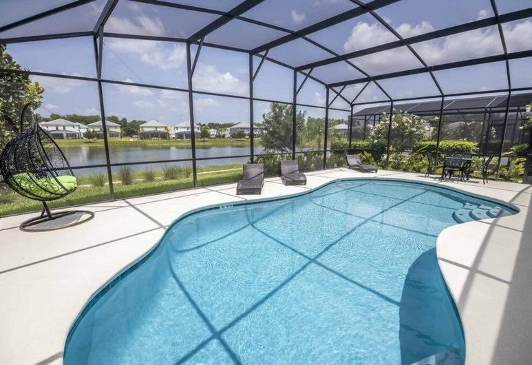 Royal Bella Vida Resort Pool 6 Bedroom Home, Kissimmee