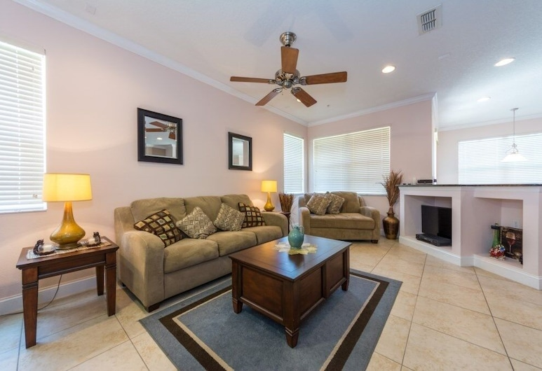 Reunion Resort Townhome - Mary Poppins 4 Bedroom Townhouse, Kissimmee