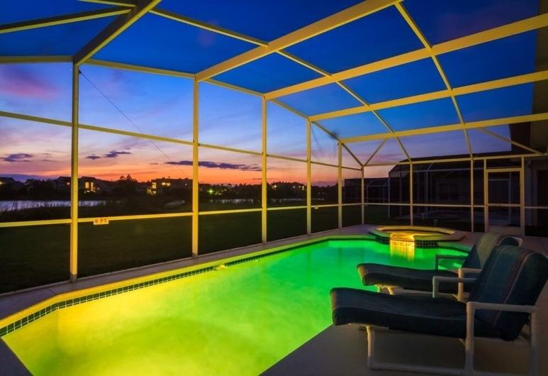 Linda's Pinewood Villa 4 Bedroom Home, Davenport, Ev, 4 Yatak Odası, Havuz