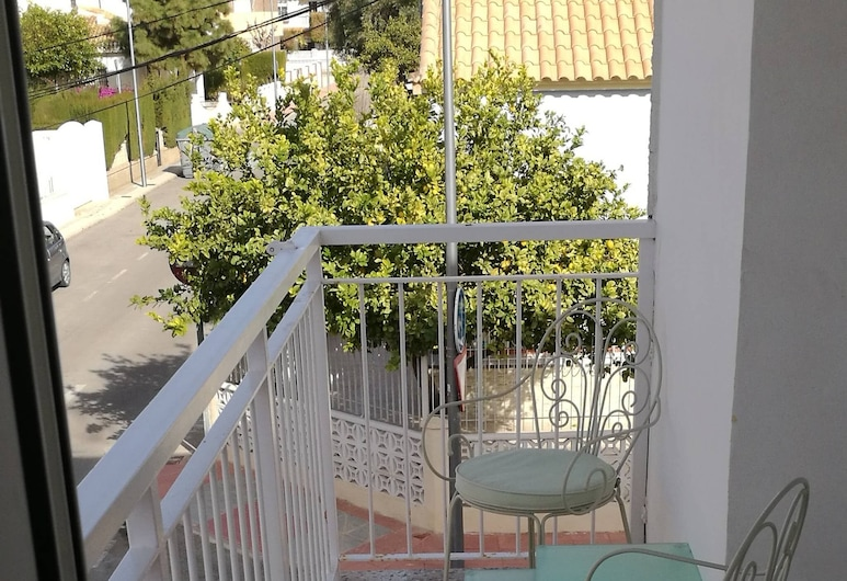 Apartment A 150 M From the Beach, With Three Bedrooms for 6 People, San Javier, Svalir