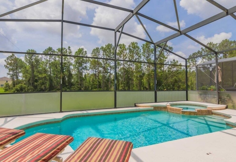 Gorgeous Watersong 6 Bedroom Home, Davenport