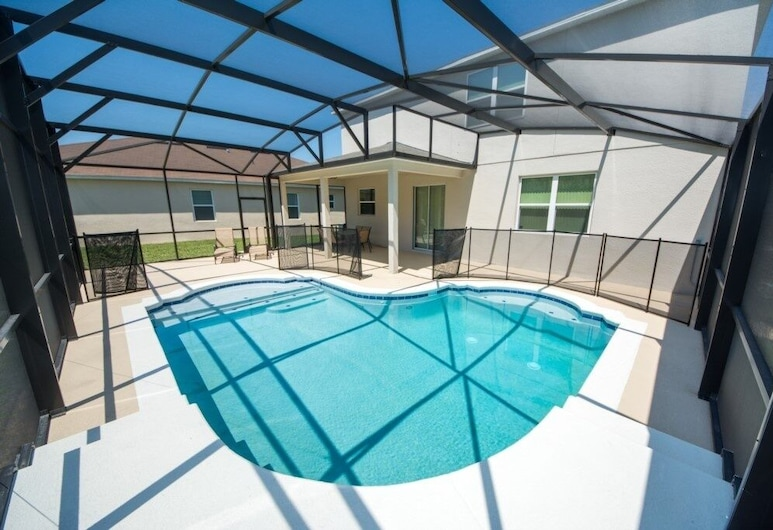 Very Private Pool No Neighbors In Rear! 4 Bedroom Home, Kissimmee, Pool