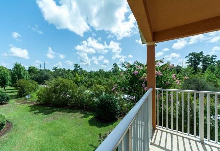 Reunion Resort 3 Miles To Disney Great View! 4 Bedroom Townhouse, Kissimmee, Townhome, 4 Bedrooms, Balcony