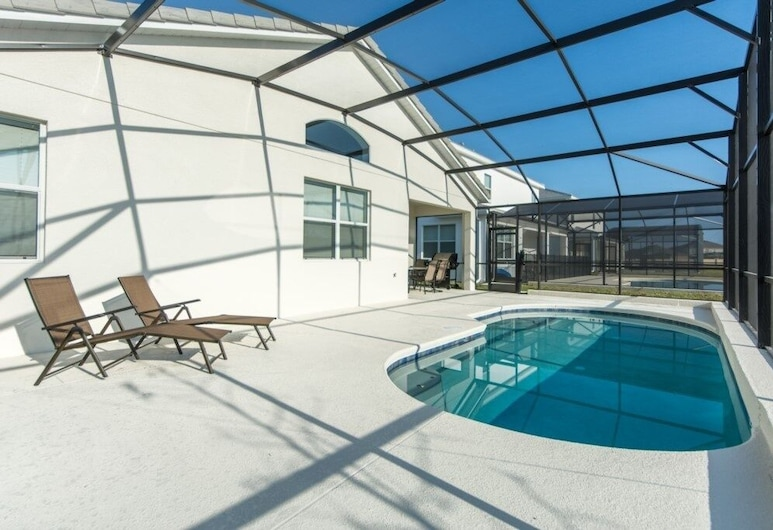 Elegant With Loaded Game Room! 4 Bedroom Home, Kissimmee, Pool