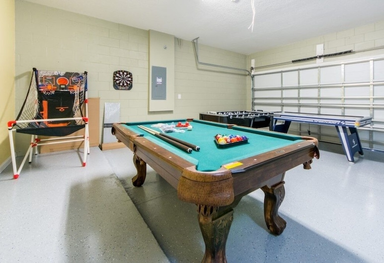 Elegant With Loaded Game Room! 4 Bedroom Home, Kissimmee