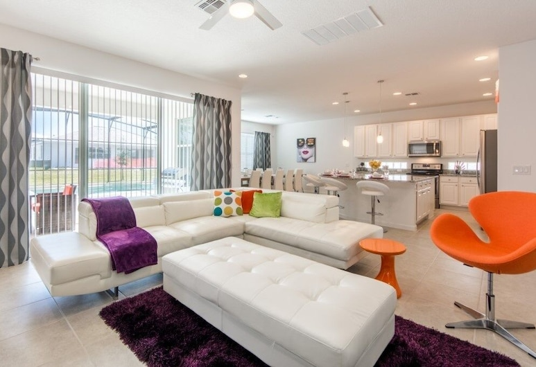 Brand New Resort Private Pool, Game Room! 6 Bedroom Home, Kissimmee