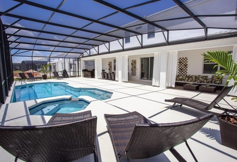 Huge Brand New Luxury 15 Bed Luxury ! 15 Bedroom Home, Kissimmee