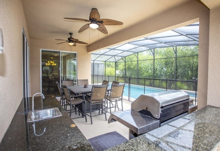 6-bedroom House w/ Private Pool 10 min From Disney Home, Kissimmee