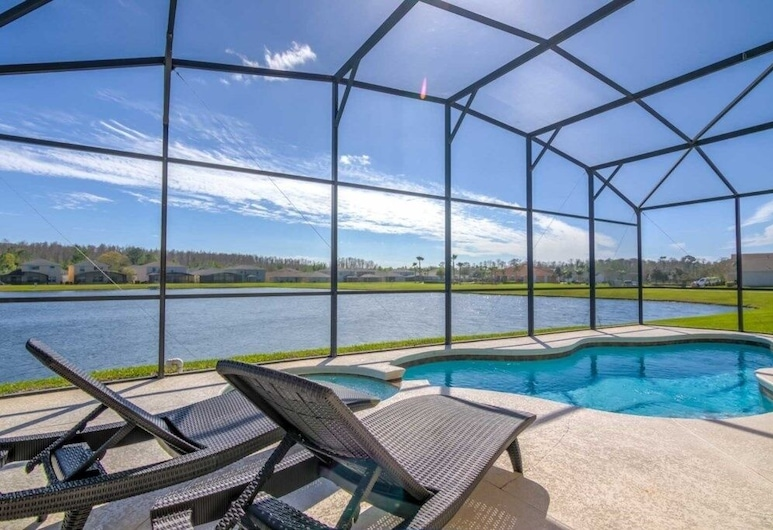 Enchanted Crystal Cove 5 Bedroom Home, Kissimmee