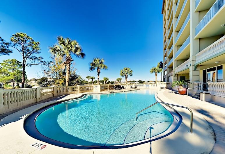 Stunning All-suite Getaway W/ Pool - Private Beach 5 Bedroom Condo, Pensacola, Pool