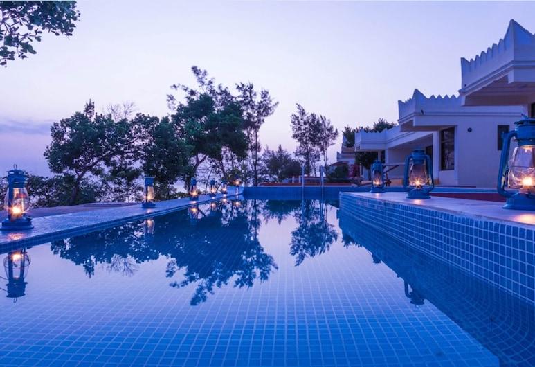 Have a Brilliant Vacational Experience at the Moja Tuu, 基溫瓦, 游泳池