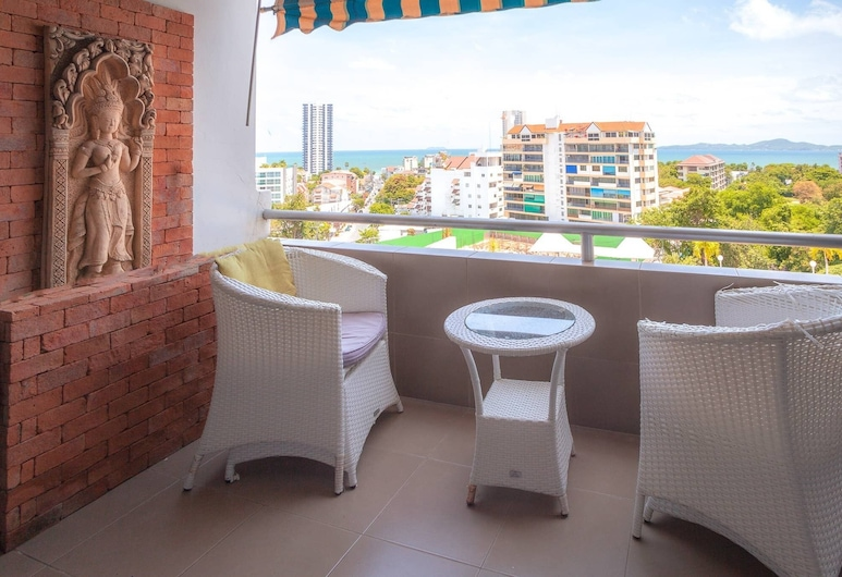 1 Bedroom 716 High Floor Seaview, Pattaya, Balcony