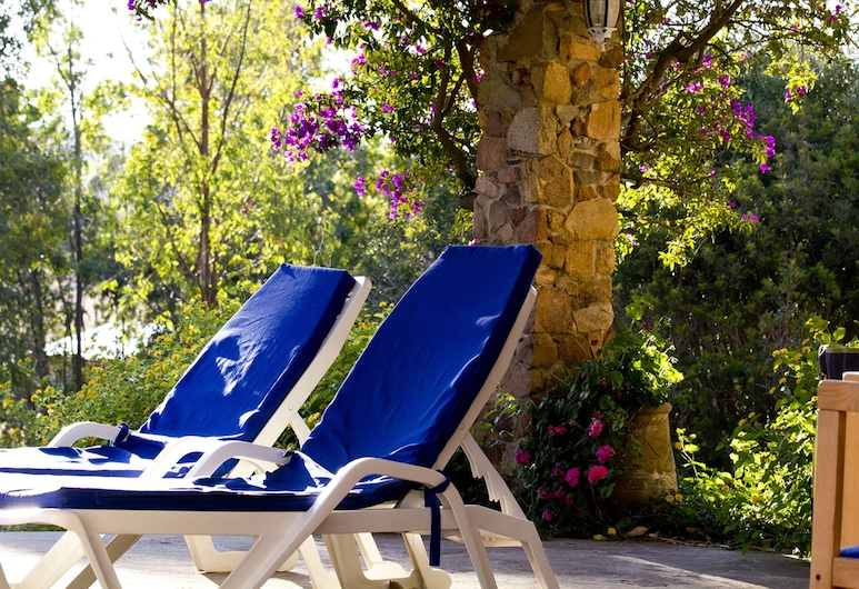 Quiet and Relaxing, Surrounded by Greenery a few Kilometers From the sea, Teulada, Jardín