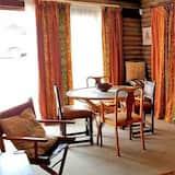Standard Cabin, 1 Bedroom - Living Area