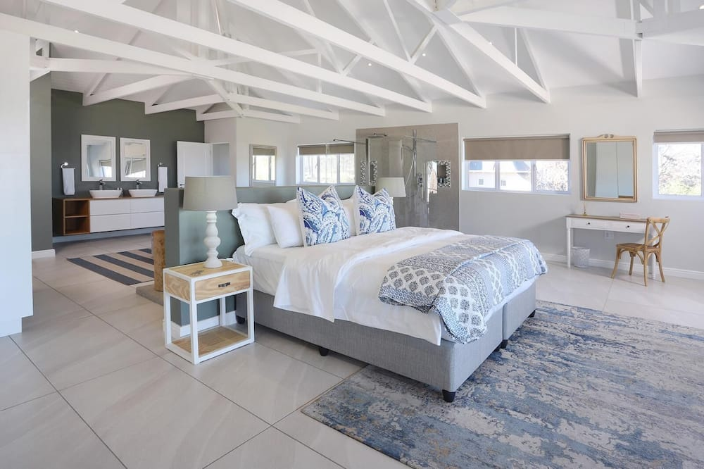 Nhà Tiêu chuẩn, 5 phòng ngủ - Phòng