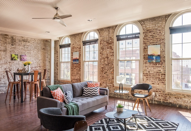 Louisville Apartments by Frontdesk, لويفيل